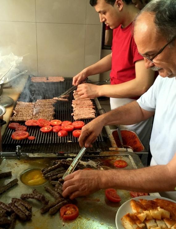 Dostol Kebap: 76 Yıllık Ödemiş Kebabı