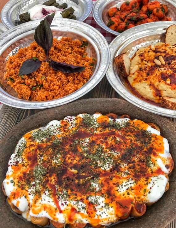 Mutfak by Nazlı: İzmir'de Kadın Eli Değmiş Bir Lokanta